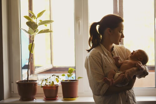 Ta hand om din bebis när den gråter