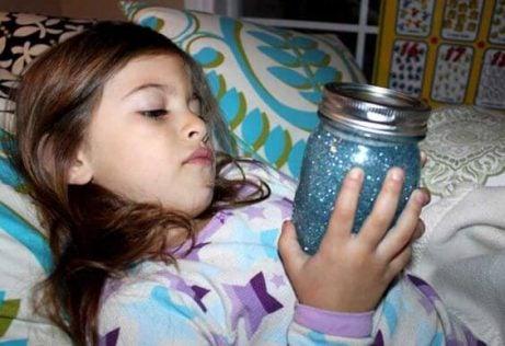 Jag vill ha en lugnande glitterburk åt mitt barn!