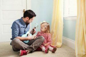 Flicka med sin pappa