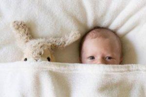 Bebis med gosedjur