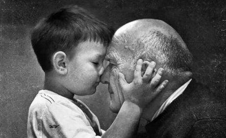 Far- och morföräldrar dör aldrig – de blir osynliga