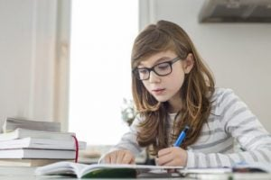 Studerande flicka