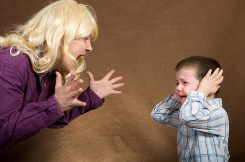 Kontrollera din ilska om du vill att dina barn ska lyssna på dig