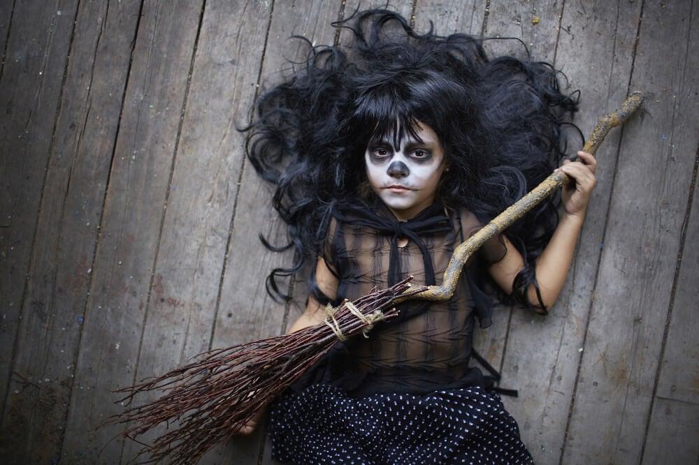 Ansiktsmålningar för barn inför Halloween