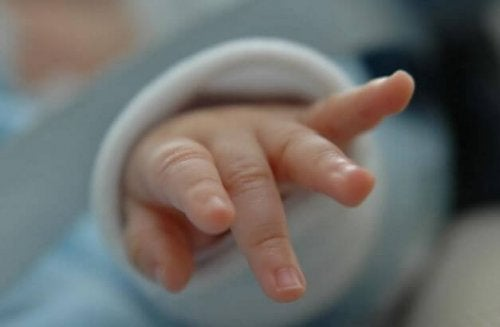En bebis hand