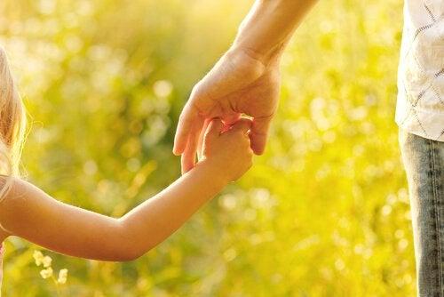 Att vara mamma handlar om att guida och uppfostra våra barn