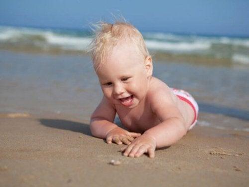 Din bebis är 8 månader gammal! Dags att utforska!