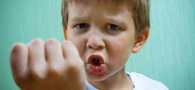 Hur man hanterar barn som slår och biter