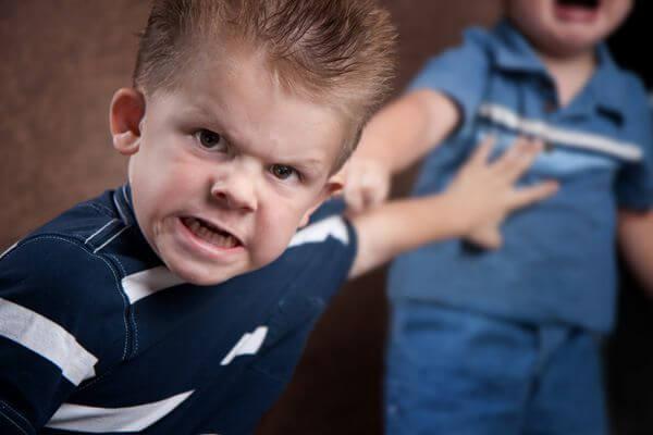 Barn som bråkar