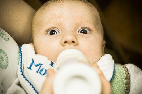 Laktosintolerans hos bebisar och dess symptom