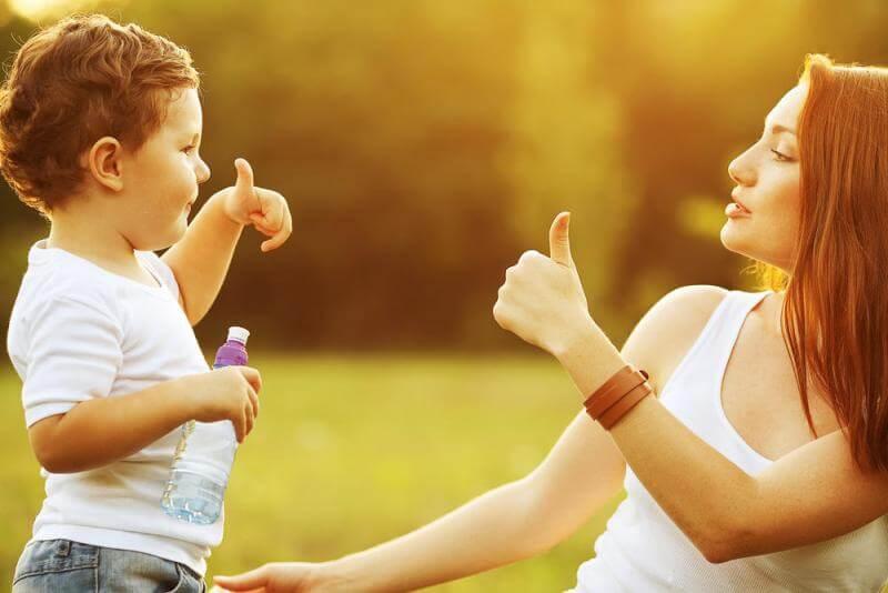 De 8 bästa fraserna för att uppfostra ditt barn med kärlek