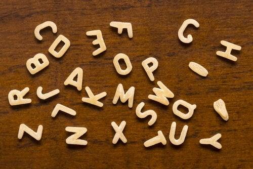 Kex i form av bokstäver
