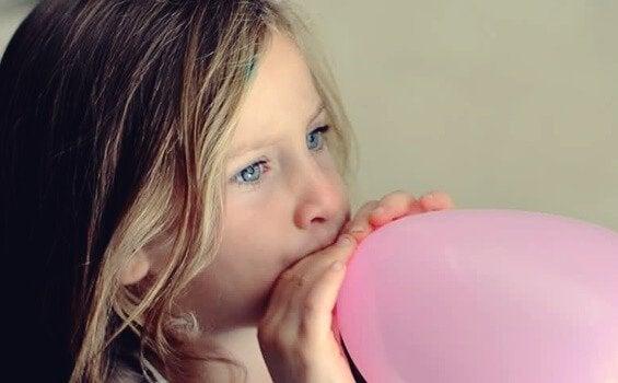 Använd ballongtekniken för att lugna nervösa barn