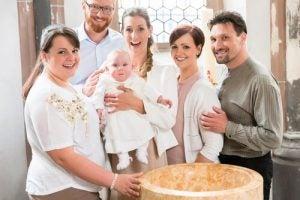 Gudföräldrarnas roll vid dop i kyrkan