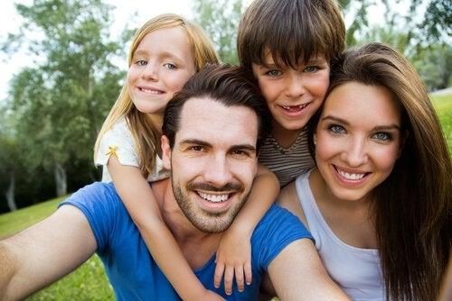 Vad bestämmer ditt barns hår- och ögonfärg?