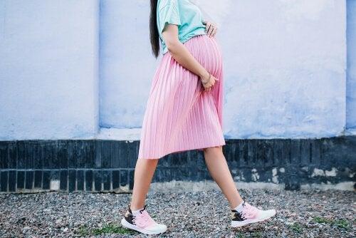 Promenera under graviditeten: Hur långt och hur snabbt?