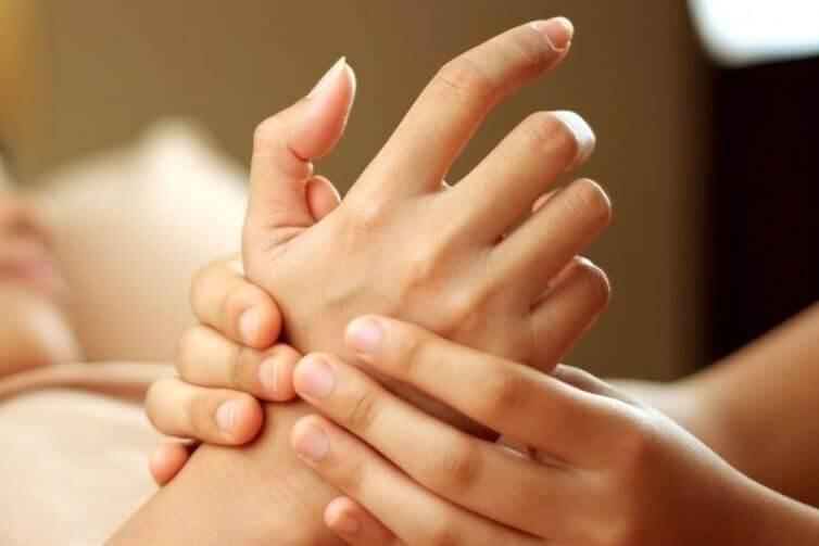 Antistresspunkter i handen
