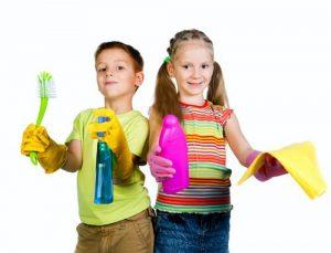 Barn som städar