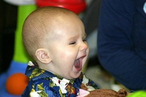 Skrattande bebis