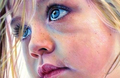 Ung flicka i närbild