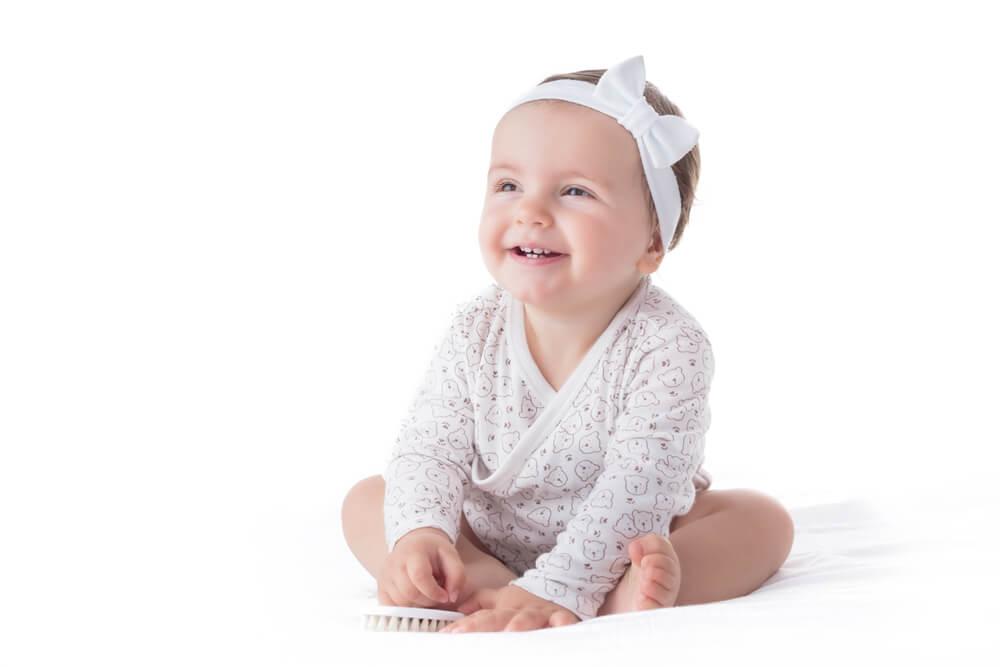 Var försiktig när du använder hårband på din bebis