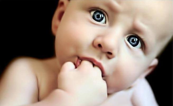 Är det bra för ditt barns hälsa att suga på tummen?