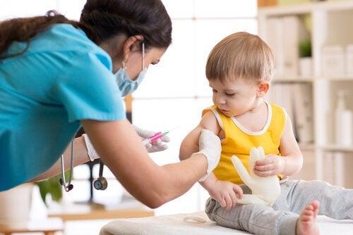 Barn med körtelfeber