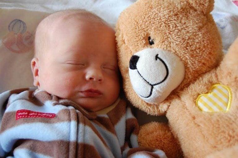 Den bästa sovställningen för din bebis