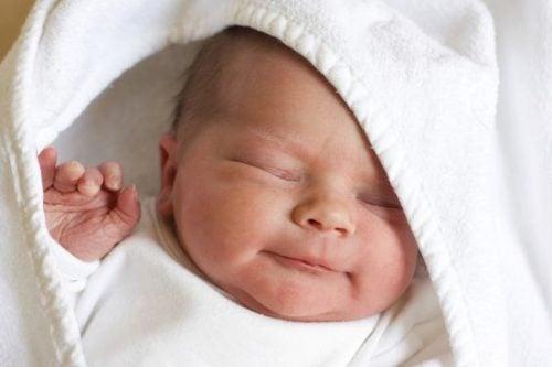 Nyfödda underverk: 5 fakta om de första dagarna i livet