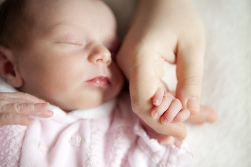 Varför är handtvätt viktigt när du hanterar bebisar?