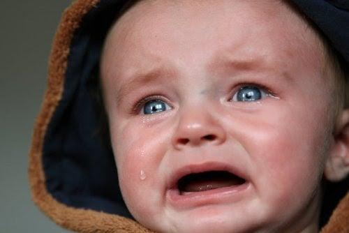Tips för att trösta en gråtande bebis