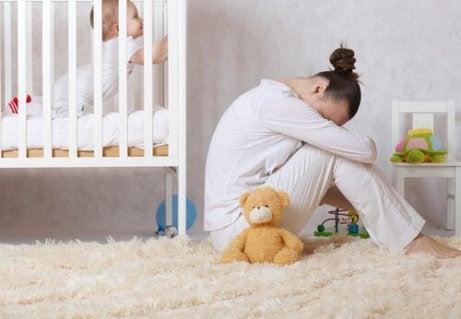 Postpartumdepression: Orsaker, symtom och bot