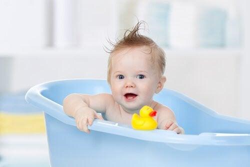 Bäst temperatur på badvattnet för din bebis
