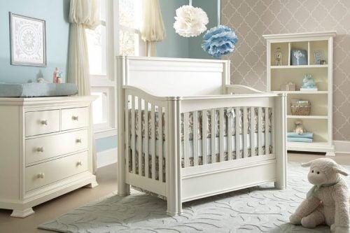Babysängen i rummet.