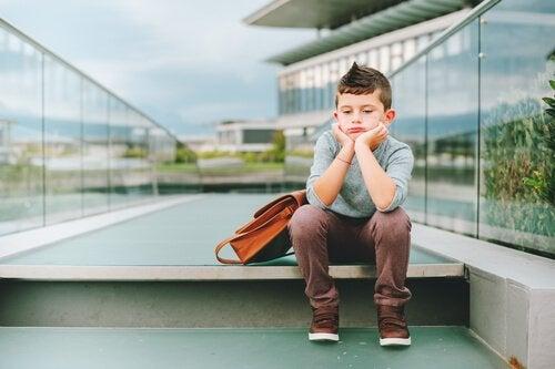 6 saker som händer när barn inte leker