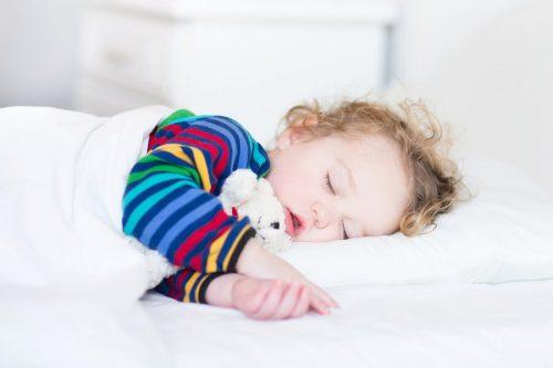 Bör du låta ditt barn ta en tupplur då och då?