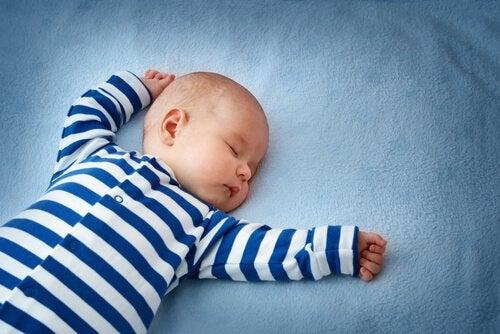 Betydelsen av nackreflexen under ett barns utveckling