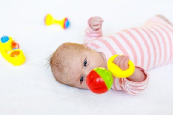 8 fantastiska leksaker för nyfödda