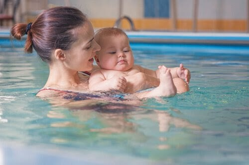 De många fördelarna med babysim