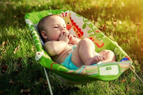Vad är en babyhängmatta och hur fungerar den?