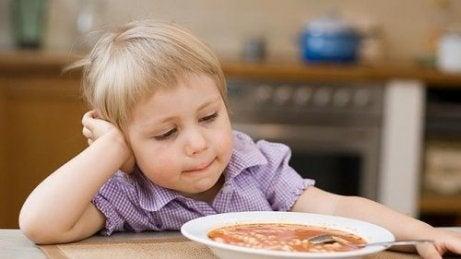 Barn äter inte