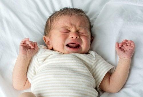 Gråtande bebis