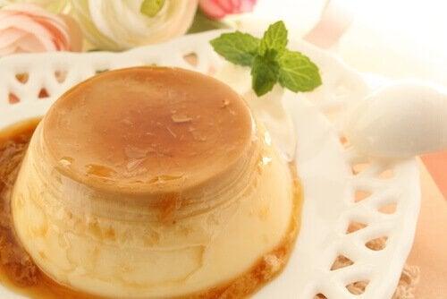 Crème caramel är ett av artikelns kalciumrika recept.
