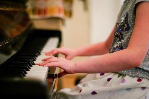 fördelarna med att spela ett instrument