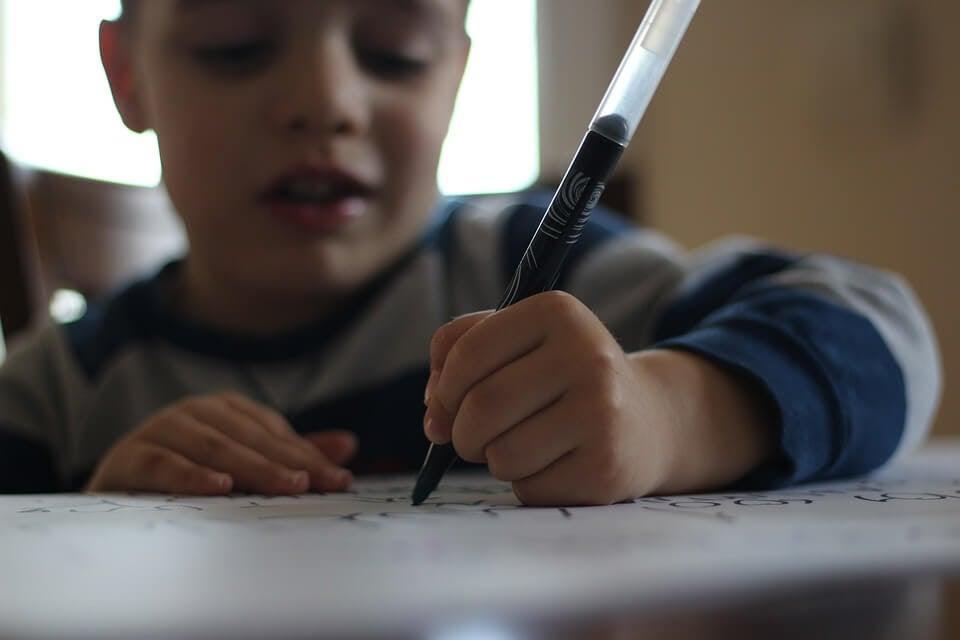 Förbättra ditt barns handstil med dessa roliga spel