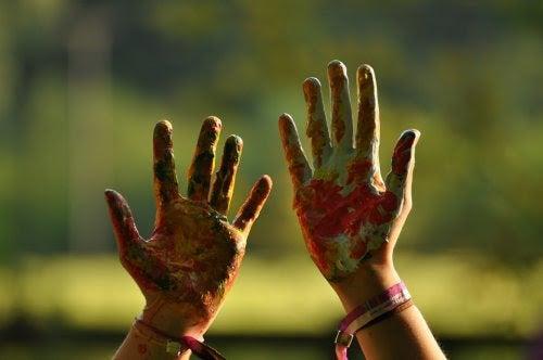 10 intressanta fakta om vänsterhänta barn