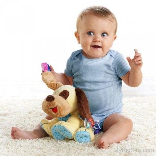 Lär ditt barn att leka självständigt