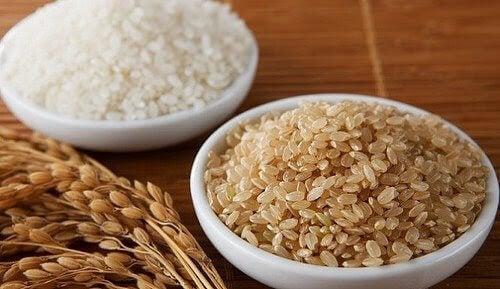 skålar med ris