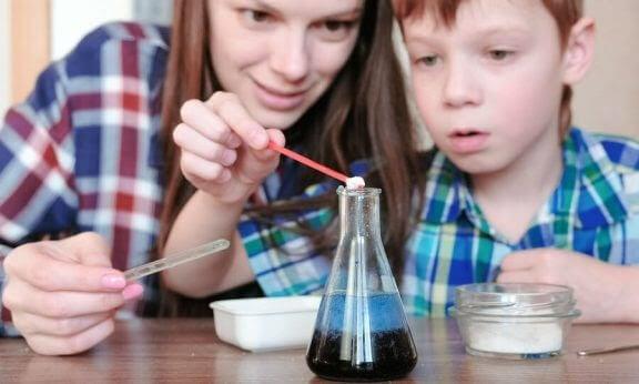 4 experiment med vatten för barn
