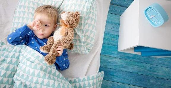 Vad ska du göra om ditt barn inte vill sova ensam?